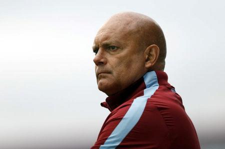 FILE PHOTO: Football - Swindon Town v Aston Villa - Pre Season Friendly - The County Ground - 21/7/15 Aston Villa coach Ray Wilkins before the match Mandatory Credit: Action Images / Andrew Boyers/File Photo