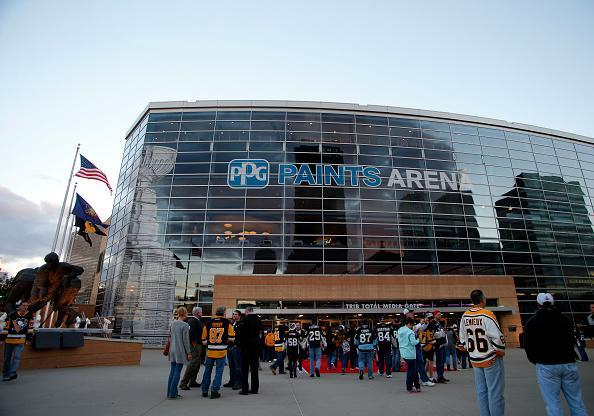 "PITTSBURGH, PA – OCTOBER 13: An exterior view of PPG Paints Arena before the game between the <a class=""link rapid-noclick-resp"" href=""/nhl/teams/pit/"" data-ylk=""slk:Pittsburgh Penguins"">Pittsburgh Penguins</a> and the <a class=""link rapid-noclick-resp"" href=""/nhl/teams/was/"" data-ylk=""slk:Washington Capitals"">Washington Capitals</a> at PPG Paints Arena on October 13, 2016 in Pittsburgh, Pennsylvania. (Photo by Justin K. Aller/Getty Images)"