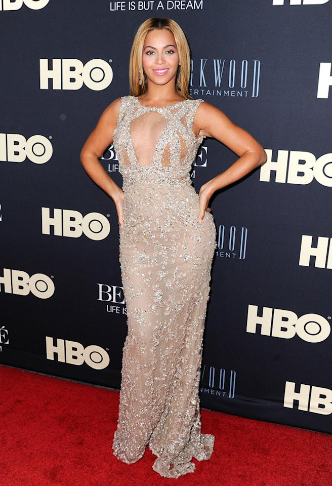 """NEW YORK, NY - FEBRUARY 12: Beyonce Knowles attends """"Beyonce: Life Is But A Dream"""" New York Premiere at Ziegfeld Theater on February 12, 2013 in New York City. (Photo by Dave Kotinsky/Getty Images)"""
