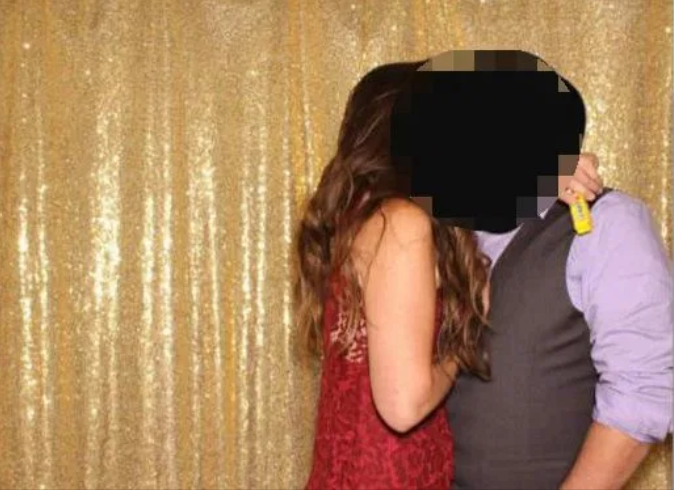 Married man kissing girl in wedding photo booth reddit