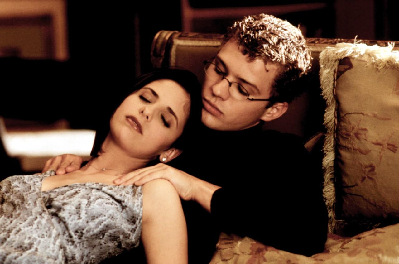 <p>Hyper-sexualized step-siblings Kathryn and Sebastian make a wager that involves sleeping together in this high school-set 1999 adaption of the 1782 novel <strong>Les Liaisons Dangereuses</strong> by Pierre Choderlos de Laclos.</p>