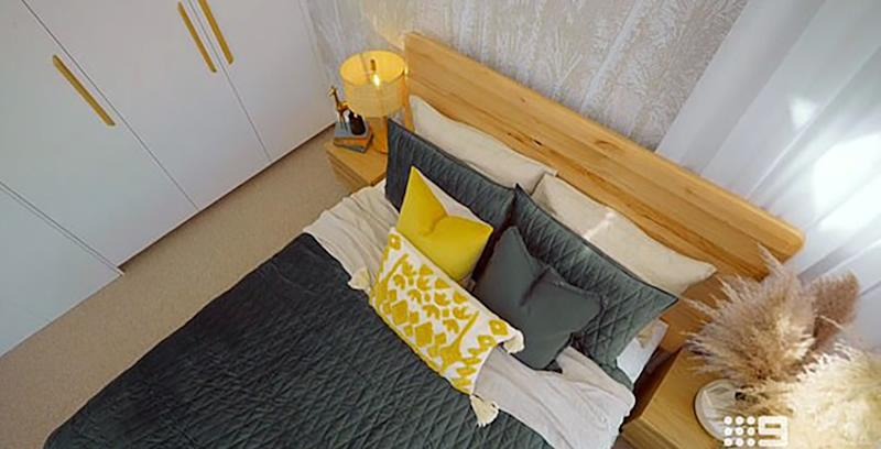 Jimmy and Tam's 1950s style guest bedroom