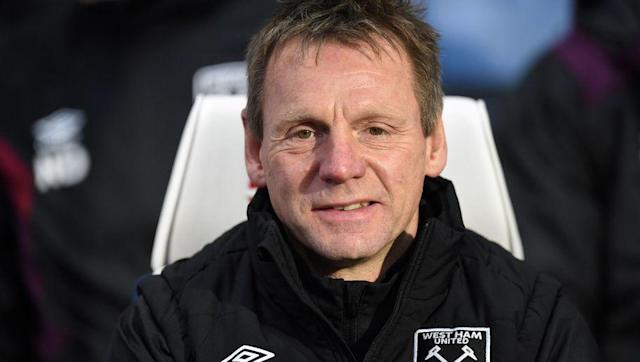 "​Sky Sports pundit and and Nottingham Forest legend, Stuart Pearce, has made a shock claim about Arsenal manager, ​Arsene Wenger, with the Englishman believing Wenger should remain in charge of Arsenal and see out his contract - which still has one more season left to run on it. The former England international revealed on Sky Sports' Debate that he thinks ​under-fire Arsene Wenger should see out his Arsenal contract, much to the surprise of fellow pundits and football fans alike. ""I am an..."