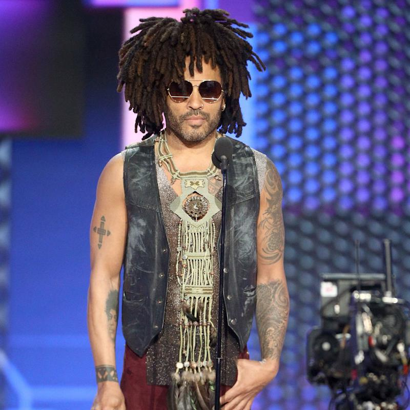 Lenny Kravitz Just Proved Why 50 is the New 20 at This Year's American Music Awards