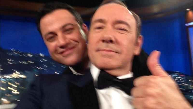 Kevin Spacey Channels Johnny Carson, Poses For Another Selfie