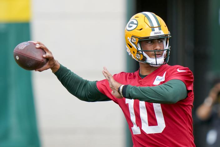 Green Bay Packers' Jordan Love throws during NFL football training camp Saturday, Aug. 15, 2020, in Green Bay, Wis. (AP Photo/Morry Gash)