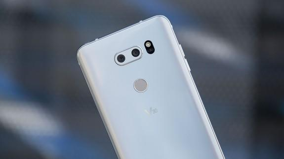 The LG G7 extra button will be linked with Google Assistant