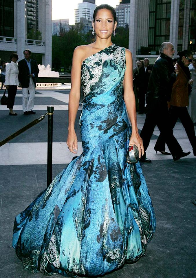 "A few days earlier, 44-year-old cover girl Veronica Webb stole the spotlight at the American Ballet Theatre's 2009 Fall Gala in a stunning asymmetrical Christian Siriano gown and marvelous earrings courtesy of jeweler Martin Katz. ST/<a href=""http://www.splashnewsonline.com"" target=""new"">Splash News</a> - October 7, 2009"