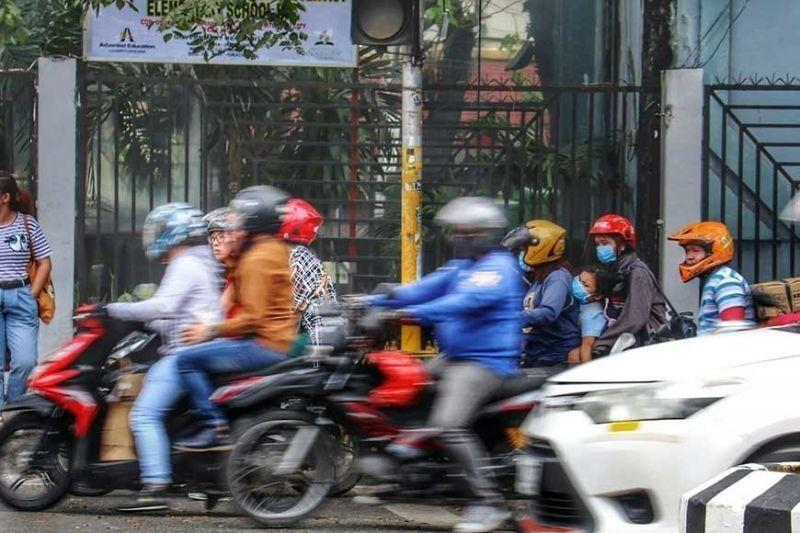 Motorcycle backriding for couples allowed in MECQ Cebu City