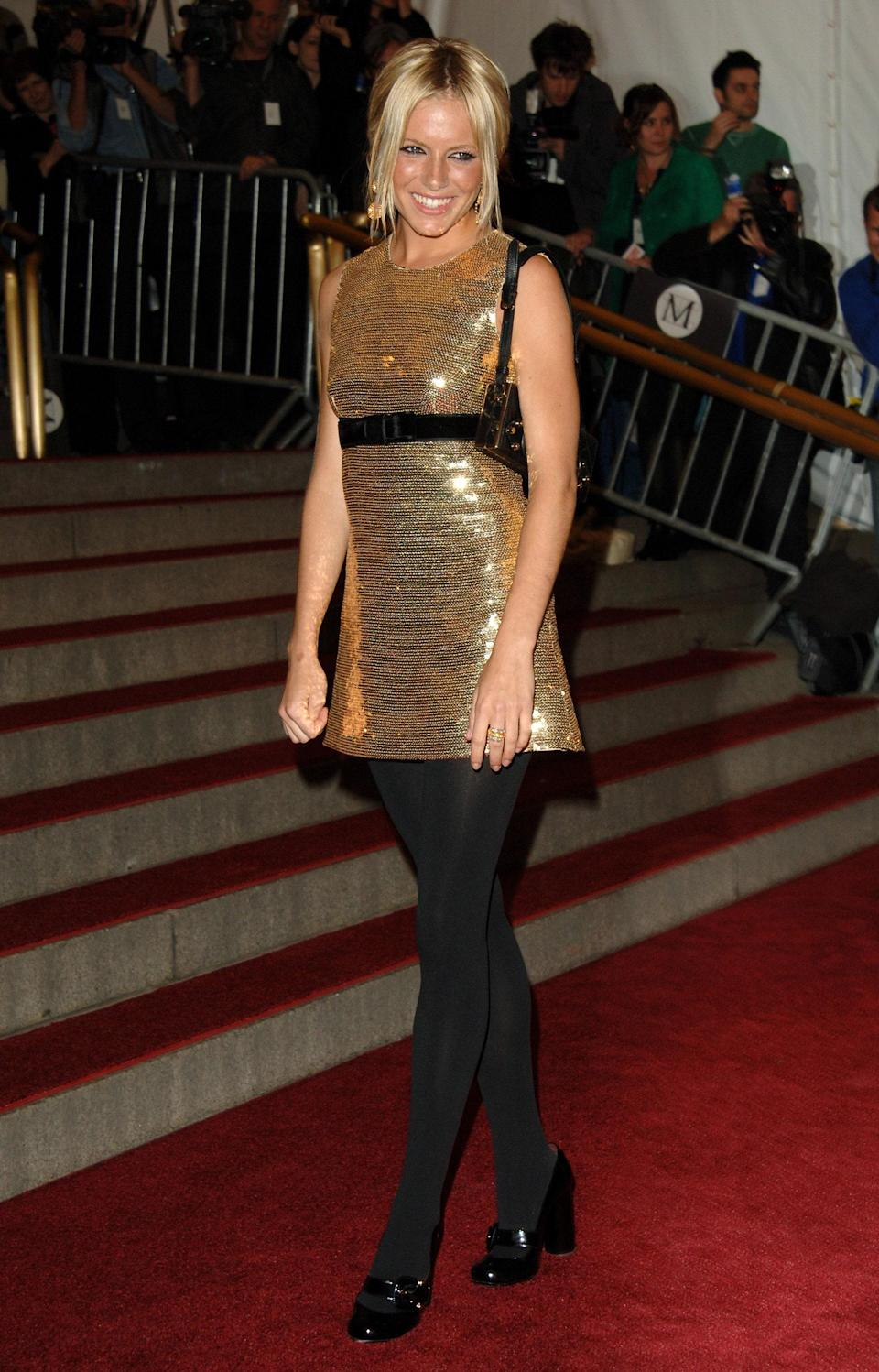 """<h1 class=""""title"""">Sienna Miller in Burberry, 2006</h1><cite class=""""credit"""">Photo: Getty Images</cite>"""