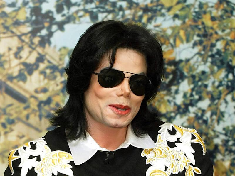 Michael Jackson's former manager settles legal spat with estate