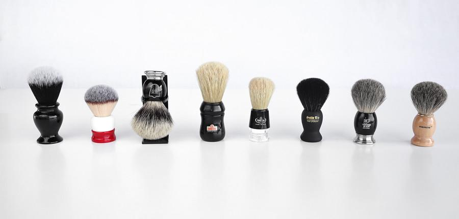 Just as women have makeup and skincare kits ready to go; men need to keep handy an on-the-go grooming kit containing all their grooming requirements. It could contain gels, razors and other essentials that help them stay looking fresh and professional.