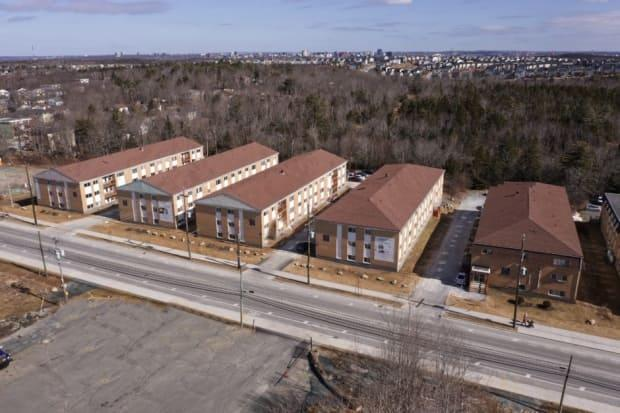 These five apartment buildings along what's known as the 500 block of Herring Cove Road, in the Halifax community of Spryfield, are owned by Telus Pensions Master Trust and run by Metcap Living Management Inc. (Steve Lawrence/CBC - image credit)
