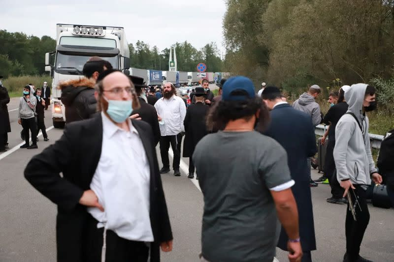 Hasidic Jewish pilgrims stuck on Belarus-Ukraine border