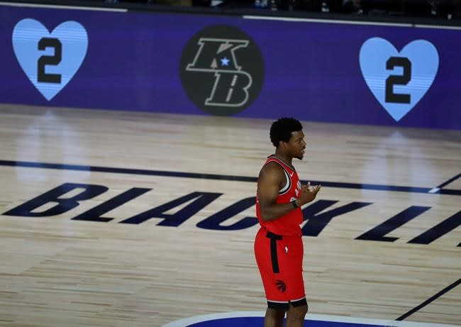 Lowry leaves Raptors' Game 4 after hurting left foot