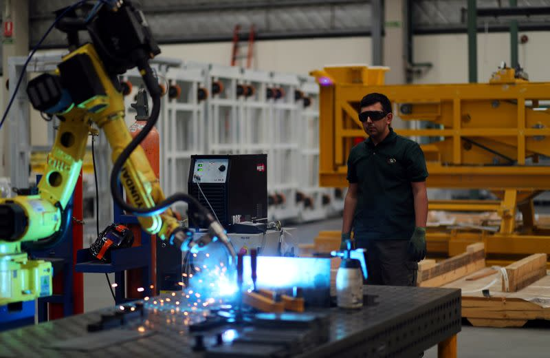 Argentina industrial output plunges 16.8% y/y in March - stats agency