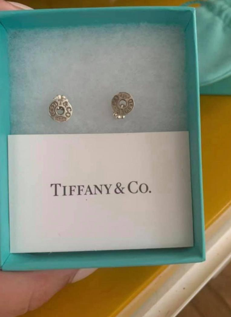 Funnily enough the woman posted the earrings for $200, which she described as a