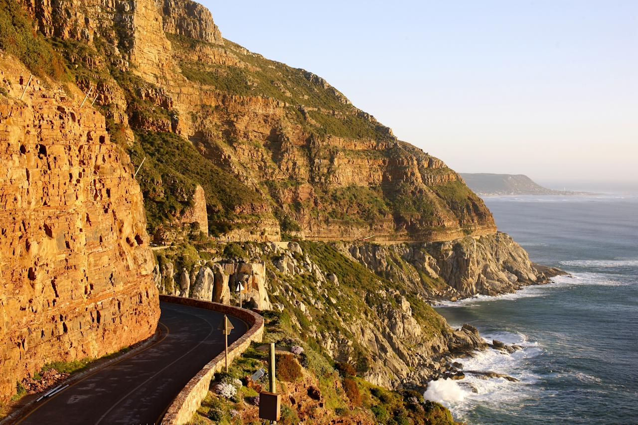 "<strong>Chapman's Peak Drive</strong>, situated in Cape Town, South Africa, is one of the most spectacular drives in Africa. Convict labor was used during the seven-year construction process, which was completed in 1922.""/><figcaption>جاده چاپمن پیک در آفریقای جنوبی </figcaption></figure>    <figure class="
