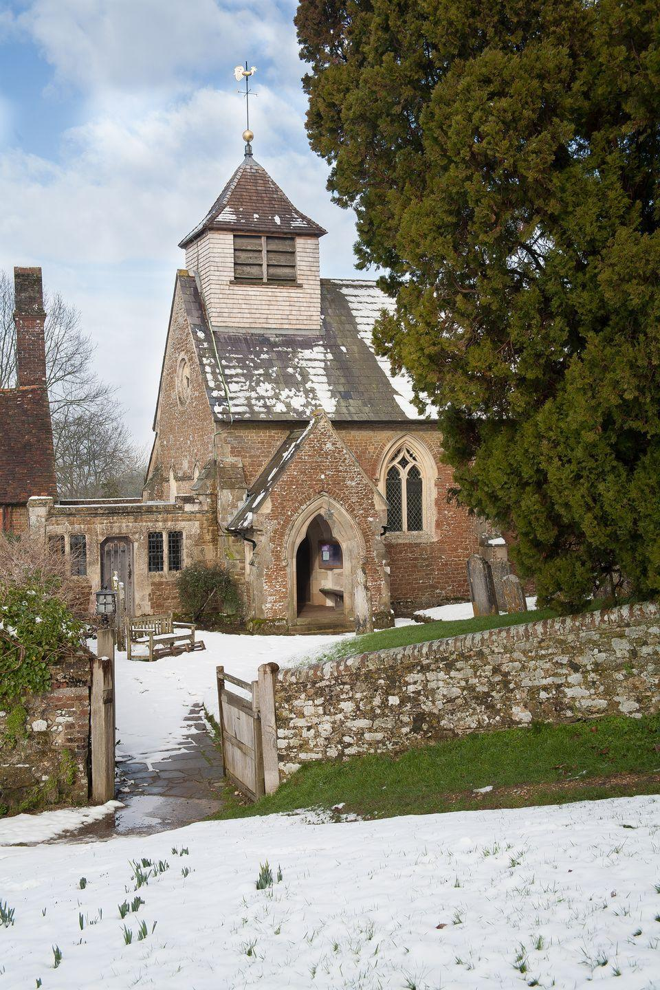 <p>A pretty collection of brick and flint cottages, a Jacobean Manor and the Old Rectory create a winter wonderland scene in Hambledon, nestled in one of the most attractive valleys of the Chiltern hills. </p>