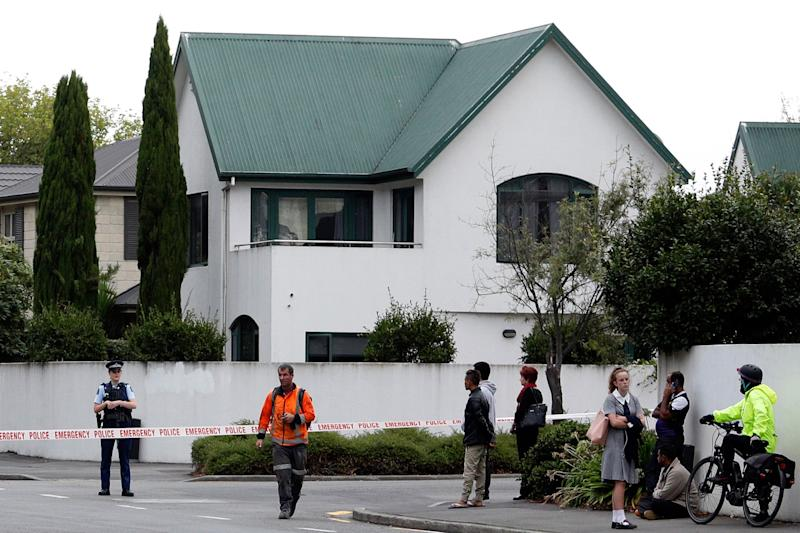 Police cordon off the area in front of the Masjid al Noor mosque after a shooting incident in Christchurch on March 15, 2019. - Attacks on two Christchurch mosques left at least 49 dead on March 15, with one gunman -- identified as an Australian extremist -- apparently livestreaming the assault that triggered the lockdown of the New Zealand city.