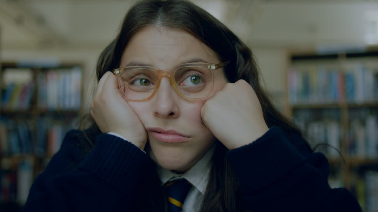 Beanie Feldstein as Johanna Morrigan in 'How To Build a Girl'. (Credit: Lionsgate)