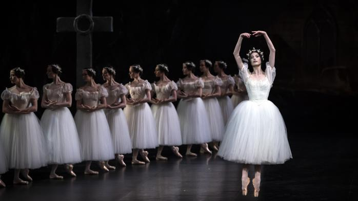 "Du ""blackface"" au ""ballet blanc"", l'Opéra de Paris se remet en question après la publication d'un manifeste sur le racisme"