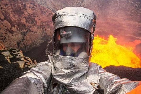 Explorers have taken the ultimate extreme photos, volcano selfies (Twitter/George Kourounis)