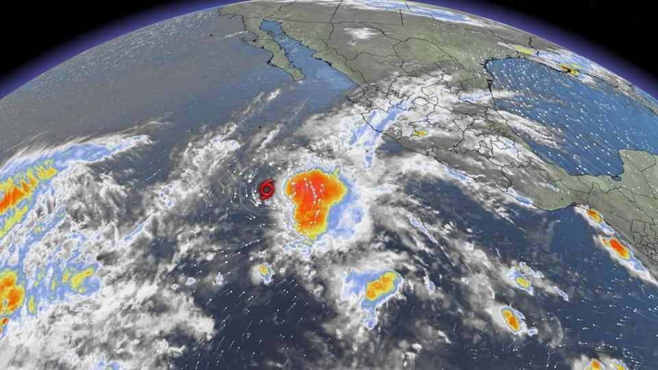 Andres, the earliest tropical storm of the eastern Pacific holds on