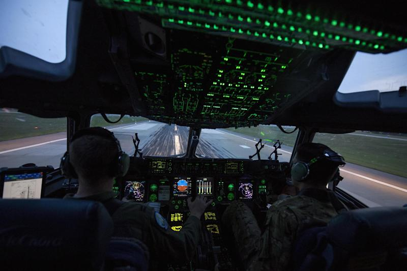 US Air Force C-17 Globemaster pilot cockpit