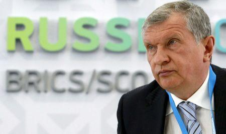 Rosneft CEO Igor Sechin attends a briefing dedicated to the signing of a contract between Rosneft and Essar Oil Ltd. companies in Ufa
