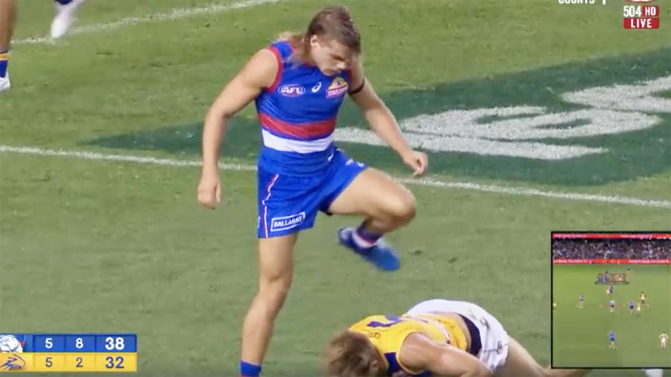 Bailey Smith, pictured here stepping over his opponent to taunt him.