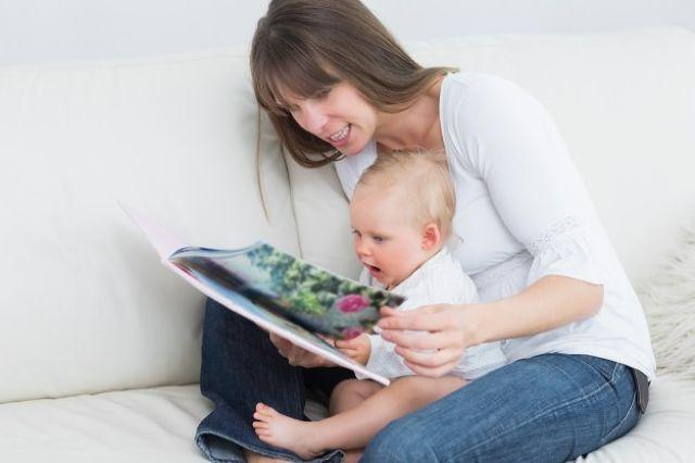 The Right Age for Introducing Babies to Books