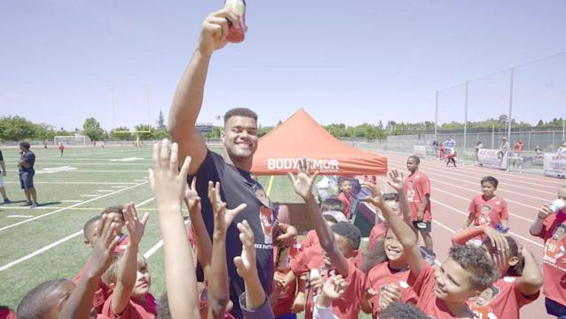 Arik Armstead gives back to a sport that has given the big guy a ton