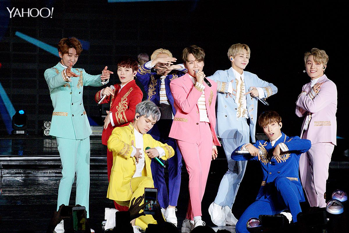 <p>Seventeen performed their hit songs 'Adore U', 'Manse' and 'Boom Boom' </p>