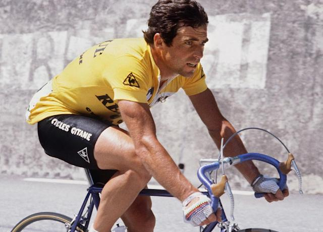 Frenchman Bernard Hinault rides during the 17th stage of Tour de France cycling race between Bourg d'Oisans and Morzine, on July 21, 1982 (AFP Photo/-)