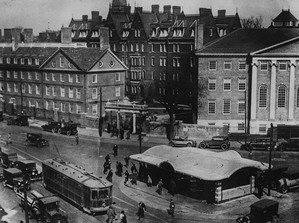 circa 1930:  A view of Harvard University and Harvard Square.  (Photo by Fox Photos/Getty Images)