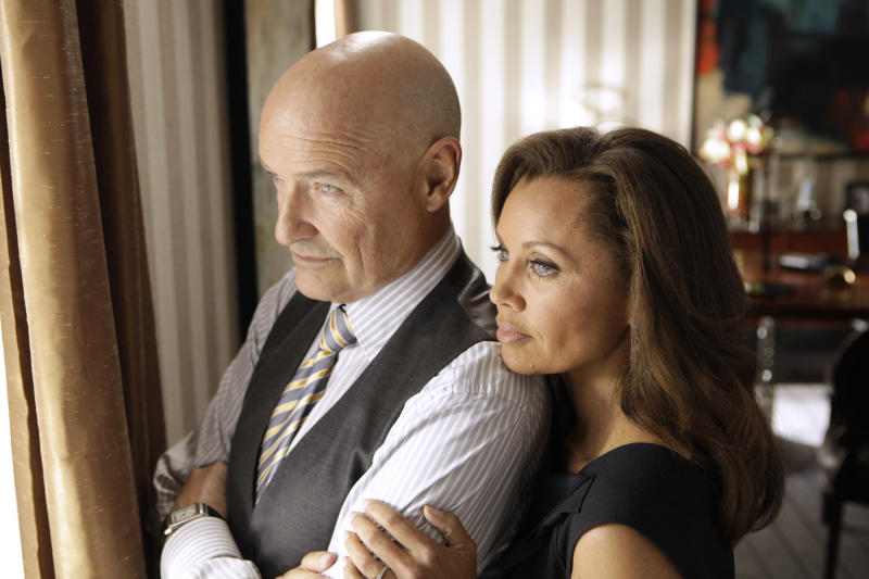 """This image released ABC shows Vanessa Williams as Olivia Doran, right, and Terry O'Quinn as Gavin Doran in a scene from the ABC series """"666 Park Avenue,"""" premiering Sunday, Sept. 30 at 10 p.m. EST on ABC. (AP Photo/ABC, Patrick Harbron)"""