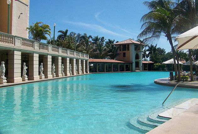 Miami swimming guide from pool to pool for Miami vice pool design