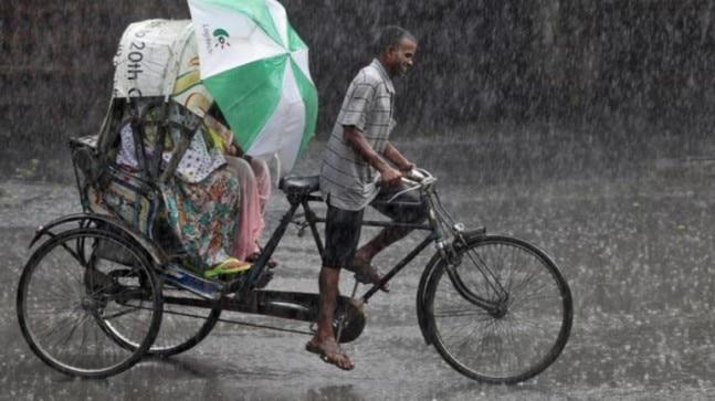 According to the Meteorological Department, conditions are favourable for the monsoon and the rainfall is expected to take place in most parts of central Maharashtra, Madhya Pradesh, South Gujarat and eastern Uttar Pradesh in the next two-three days.