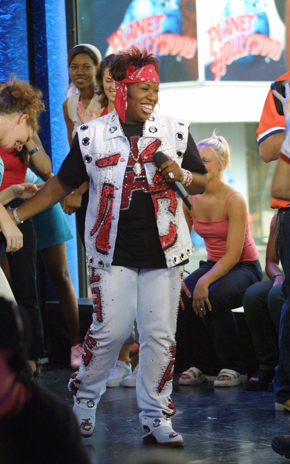 <p> Missy Elliott hopped on <strong>TRL</strong>'s stage in 2001 to perform in a hip-hop special.</p>
