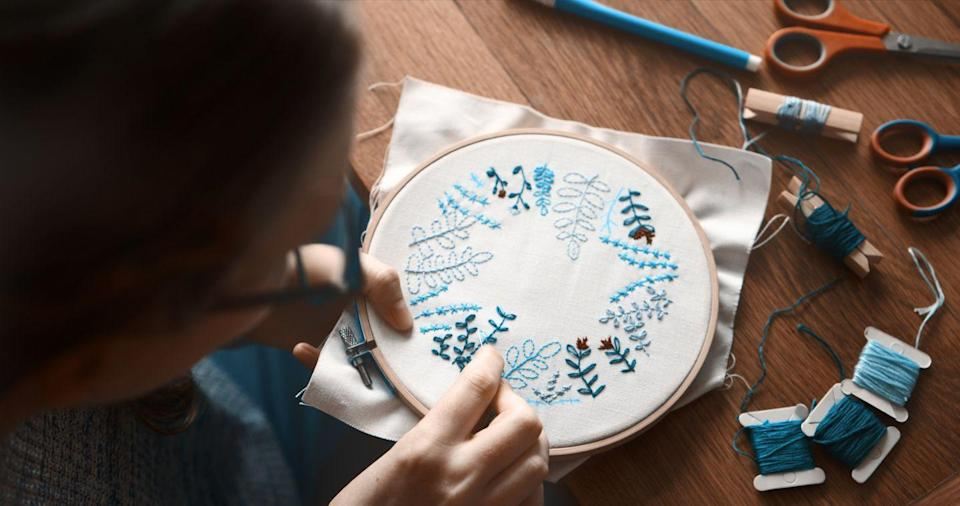"""<p>Chances are, there's probably plenty of things you don't know how to do, whether that's needlepoint, knitting, coding, or even cooking. So, take the night to learn something new: <a href=""""https://www.masterclass.com/"""" rel=""""nofollow noopener"""" target=""""_blank"""" data-ylk=""""slk:MasterClass"""" class=""""link rapid-noclick-resp"""">MasterClass</a> offers a wide variety of lessons from well-known celebrities and industry leaders (think: Margaret Atwood teaching creative writing, Annie Leibovitz teaching photography, Misty Copeland teaching ballet, Serena Williams teaching tennis, and Alicia Keys teaching songwriting); download <a href=""""https://www.oprahmag.com/life/g28468651/best-language-learning-apps/"""" rel=""""nofollow noopener"""" target=""""_blank"""" data-ylk=""""slk:an app"""" class=""""link rapid-noclick-resp"""">an app</a>, like <a href=""""https://www.duolingo.com/"""" rel=""""nofollow noopener"""" target=""""_blank"""" data-ylk=""""slk:Duolingo"""" class=""""link rapid-noclick-resp"""">Duolingo</a> or <a href=""""https://apps.apple.com/us/app/learn-languages-with-memrise/id635966718"""" rel=""""nofollow noopener"""" target=""""_blank"""" data-ylk=""""slk:Memrise"""" class=""""link rapid-noclick-resp"""">Memrise</a>, to <a href=""""https://www.oprahmag.com/life/work-money/a32169161/how-to-learn-a-new-language/"""" rel=""""nofollow noopener"""" target=""""_blank"""" data-ylk=""""slk:learn French, German, Japanese, and other languages"""" class=""""link rapid-noclick-resp"""">learn French, German, Japanese, and other languages</a>; <a href=""""https://www.mybluprint.com/"""" rel=""""nofollow noopener"""" target=""""_blank"""" data-ylk=""""slk:the Craftsy app"""" class=""""link rapid-noclick-resp"""">the Craftsy app</a> is loaded with tutorials on quilting, painting, crocheting, and more crafts; and places like <a href=""""https://go.redirectingat.com?id=74968X1596630&url=https%3A%2F%2Fwww.surlatable.com%2Fcooking-classes-1%2F&sref=https%3A%2F%2Fwww.oprahmag.com%2Flife%2Frelationships-love%2Fg30549407%2Fsingle-on-valentines-day%2F"""" rel=""""nofollow noopener"""" target=""""_blank"""" data-ylk=""""slk:Sur La Table"""" class=""""link rapid-no"""