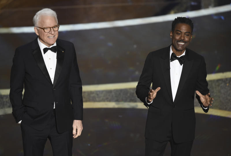 Steve Martin (esq.) e Chris Rock se apresentam na cerimônia do Oscar. Foto: AP/Chris Pizzello