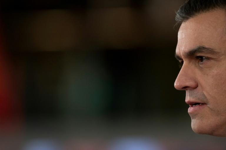 Spanish Prime Minister Pedro Sanchez is a former basketball player who, at 1.90m tall, looms over his rivals