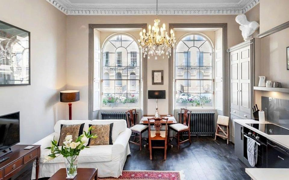 Georgian architecture meets modern comfort at the Johnstone on the Weir