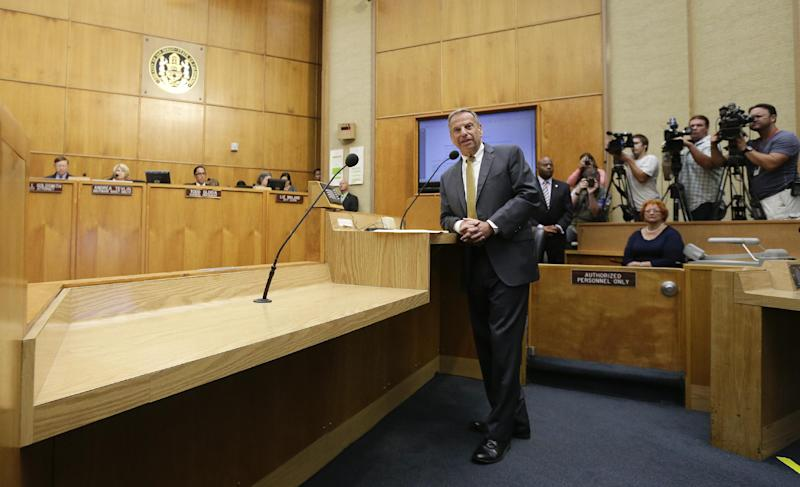 San Diego Mayor Bob Filner speaks after agreeing to resign at a city council meeting Friday, Aug. 23, 2013, in San Diego. The San Diego city council voted Friday on the agreement between Filner and city negotiators that lead to his resignation following allegations of sexual harassment. (AP Photo/Gregory Bull)
