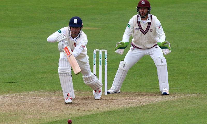 Alastair Cook will resume on four not out as his Essex side chase a victory target of 255.