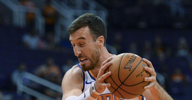 Frank Kaminsky playing like he got a fresh start with Suns