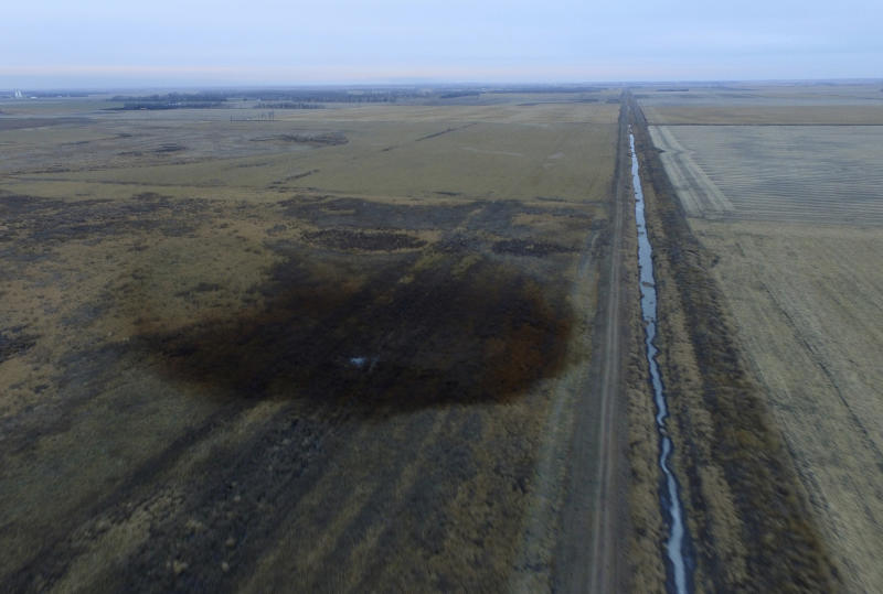 TransCanada sends more crews to Keystone pipeline leak