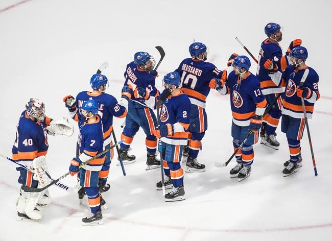 Nelson, Varlamov help Islanders beat Lightning 5-3 in Game 3