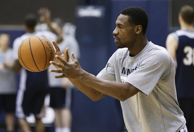 Memphis Grizzlies guard Tony Allen catches a pass during practice Friday, April 25, 2014, in Memphis, Tenn. The Grizzlies face the Oklahoma City Thunder on Saturday in Game 4 of their opening-round NBA basketball playoff series. The Grizzlies lead the series 2-1. (AP Photo/Mark Humphrey)